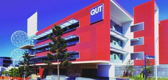 Bachelor Scholarship in Engineering and IT at Queensland University in Australia